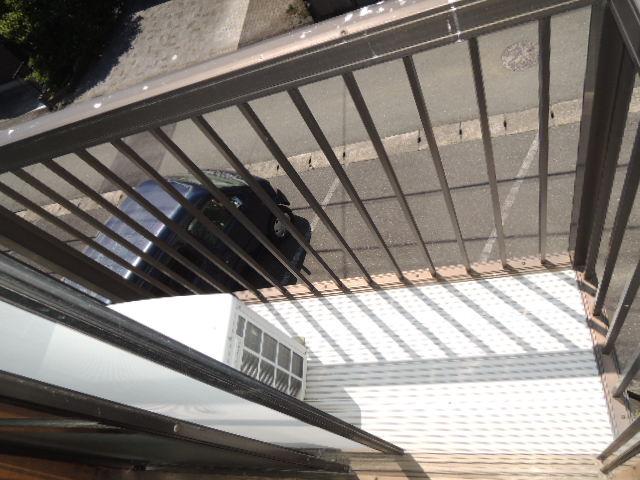 コーポスルガ台 201号室のバルコニー