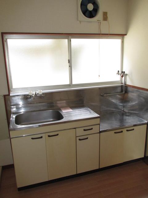 三方原グリーンハイツB B-3号室のキッチン