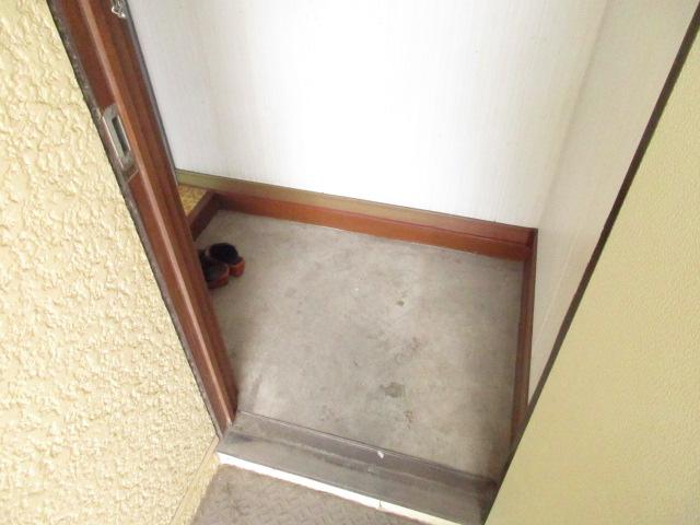 今井アパート 202号室の玄関