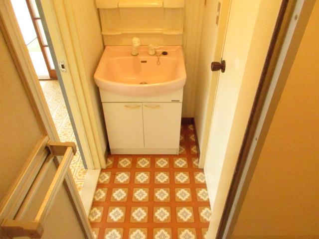 今井アパート 202号室の洗面所