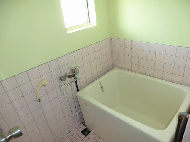 メゾン上条 205号室の風呂