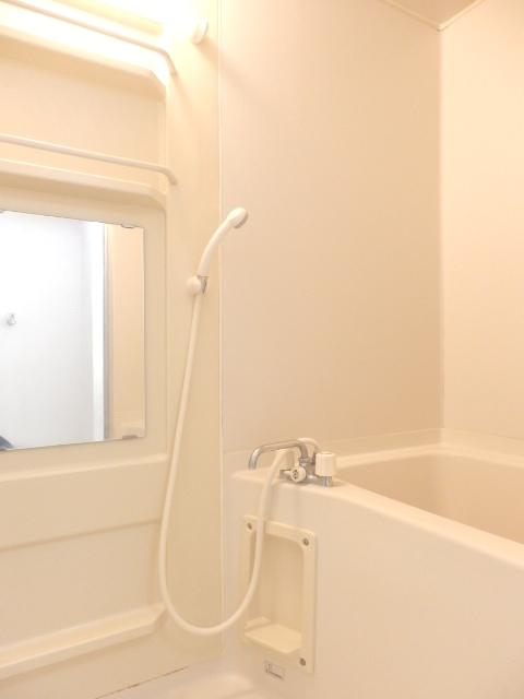 ヴィルヌーブ佐鳴台 201号室の風呂