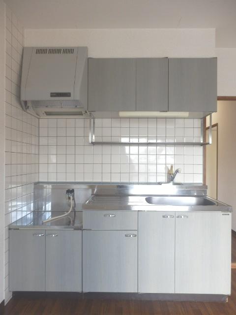ヴィルヌーブ佐鳴台 201号室のキッチン