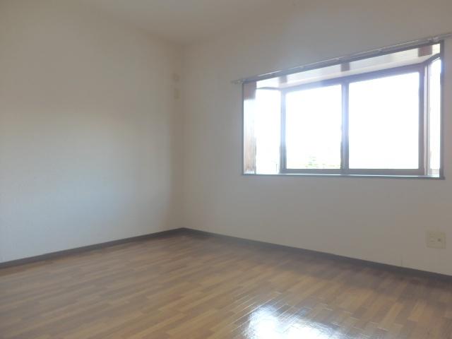 ヴィルヌーブ佐鳴台 201号室の収納