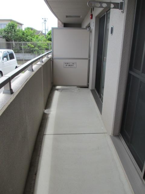 サンシャインユタカⅡ 103号室のバルコニー