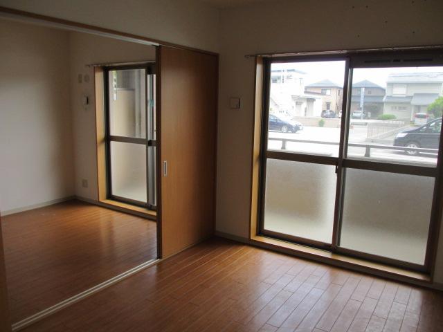 サンシャインユタカⅡ 103号室のベッドルーム