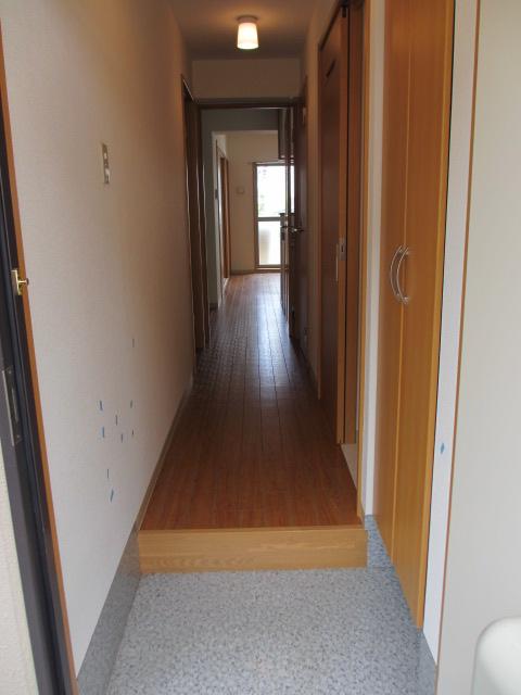 サンシャインユタカⅡ 103号室の玄関