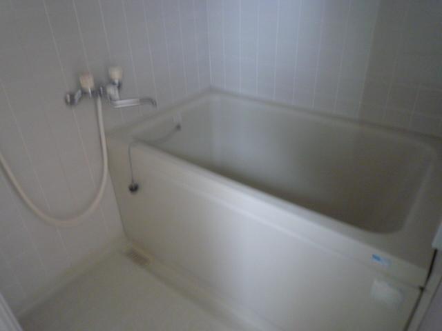 三鈴シティ 402号室の風呂