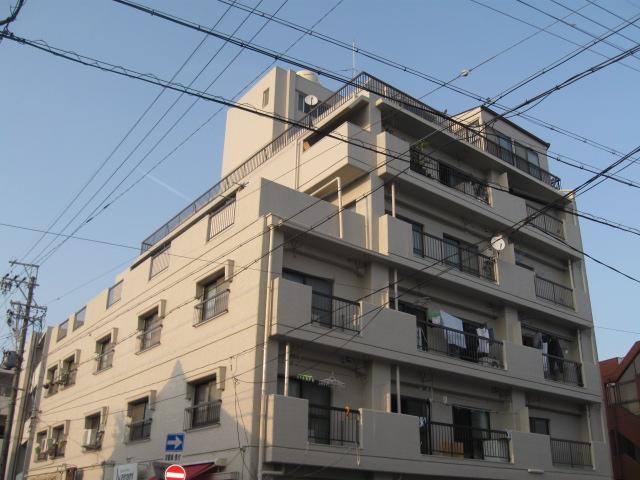 青山マンションの外観