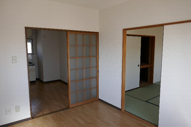 メゾンドフルール 205号室のリビング
