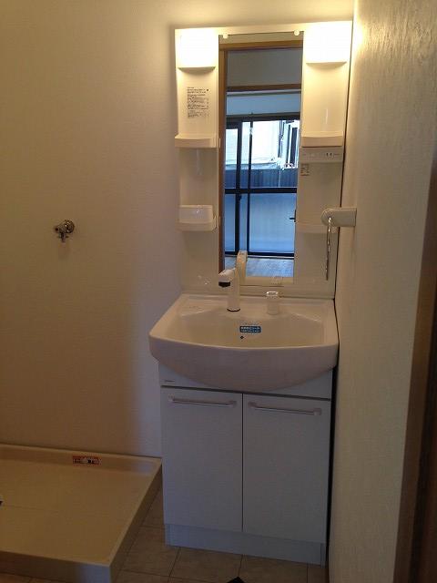 グランドールⅢ 103号室の洗面所