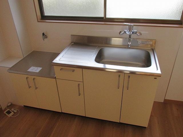 サンハイツ九丁歩Ⅱ 103号室のキッチン