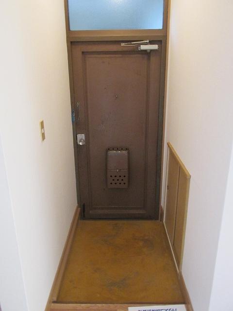 サンハイツ九丁歩Ⅱ 103号室の玄関