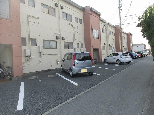 サンハイツ九丁歩Ⅱ 103号室の駐車場