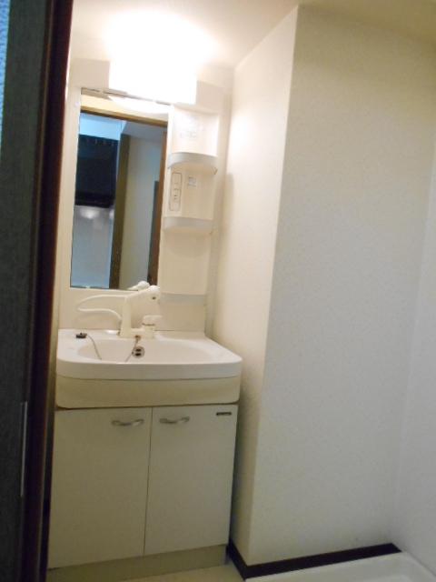 オーシャンブルー 101号室の洗面所