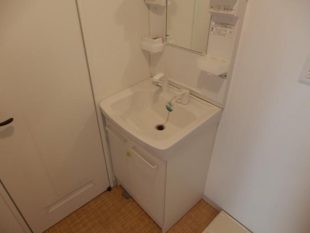 第一我心ケ丘マンション 202号室の洗面所