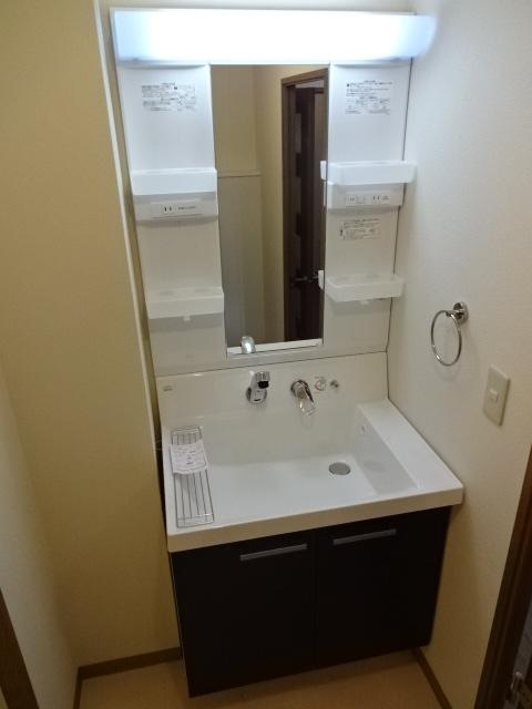 グランドール領家 402号室の洗面所
