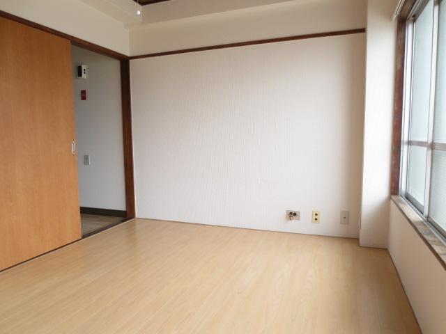 木村ビル 401号室のリビング