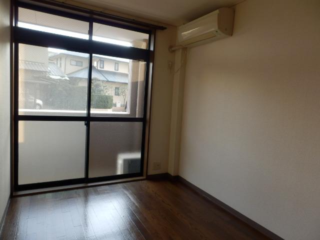 サニーデイズハイム 102号室の居室