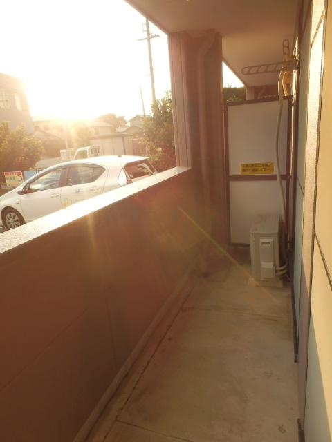 サニーデイズハイム 102号室のバルコニー