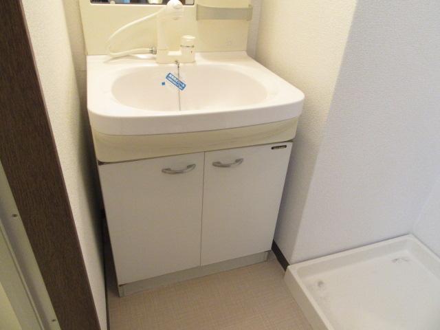 カウベルⅠ 103号室の洗面所