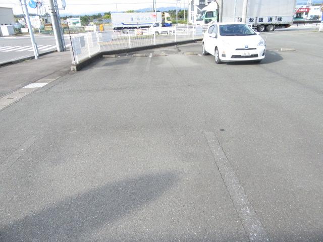 カウベルⅠ 402号室の駐車場