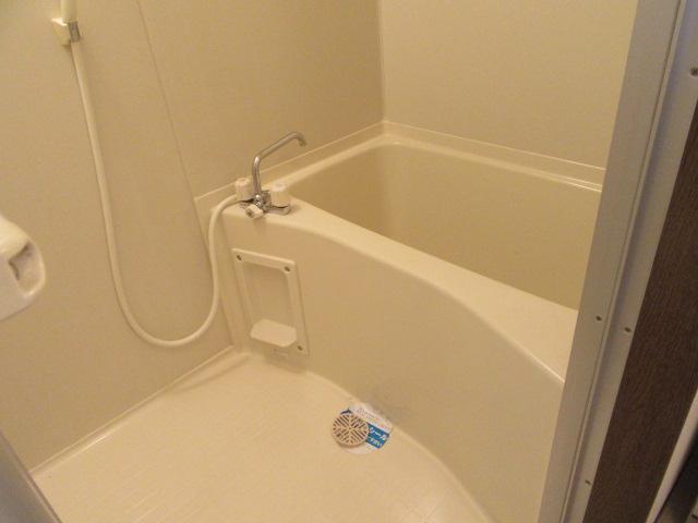 カウベルⅠ 402号室の風呂