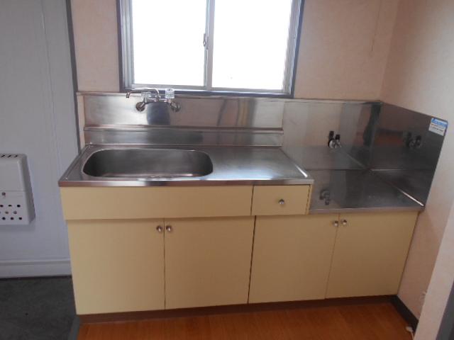 シルキーマンション 402号室のキッチン