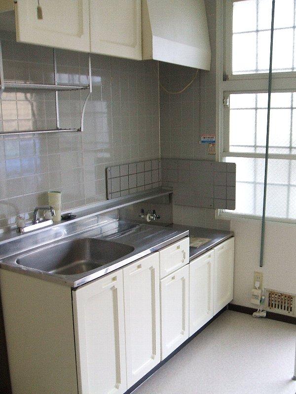 ジュネスコーポ 106号室のキッチン