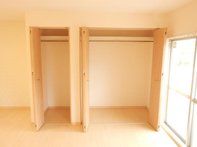 コンフォール蜆塚 206号室の収納