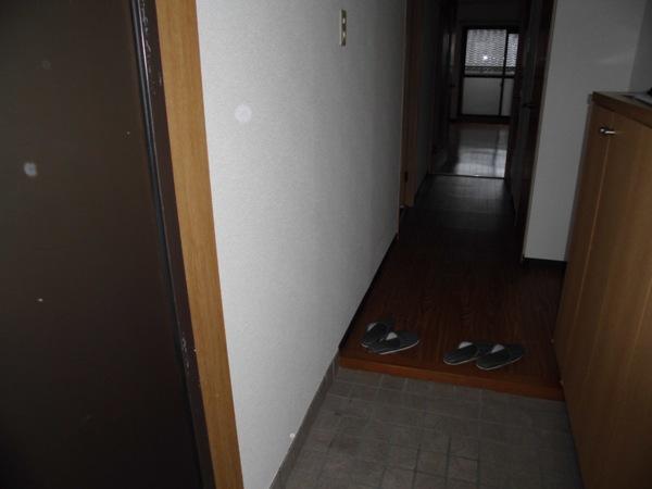 メモリータイム 303号室の玄関