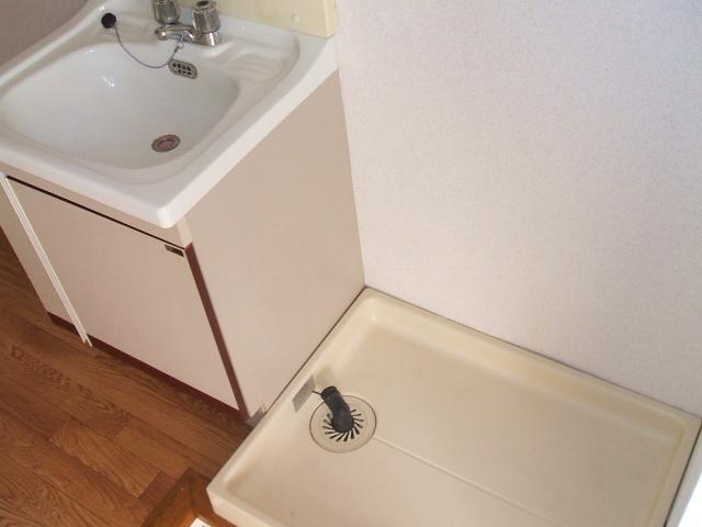 グランドハイツ布橋 105号室の洗面所