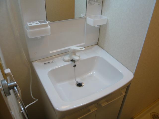 ドミールばんの 303号室の洗面所