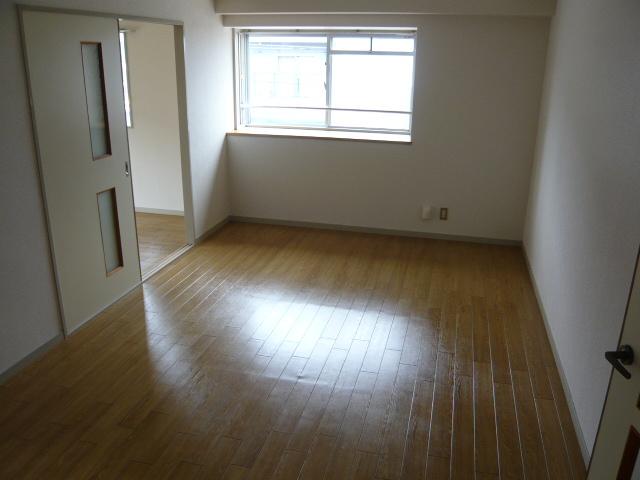 ドミールばんの 303号室のベッドルーム