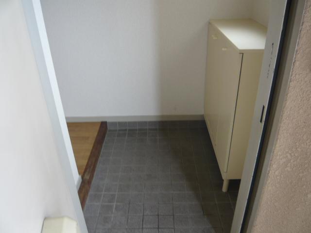 ドミールばんの 303号室の玄関