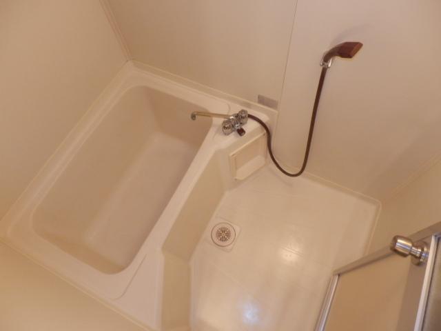 ドミールばんの 303号室の風呂