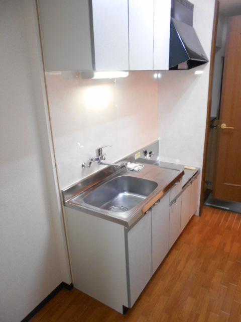 オーシャンブルー 102号室のキッチン