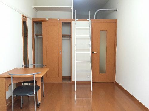 レオパレス森田 111号室のリビング