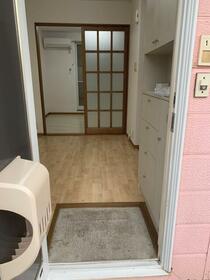 グリーンハイツ 3番館 103号室の玄関