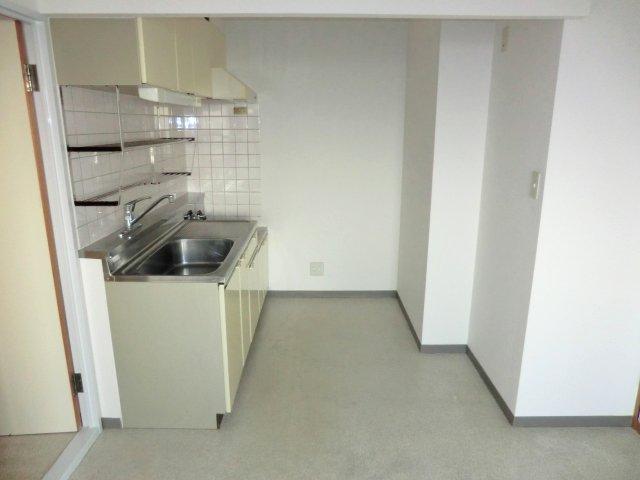 コンフォール 203号室のキッチン