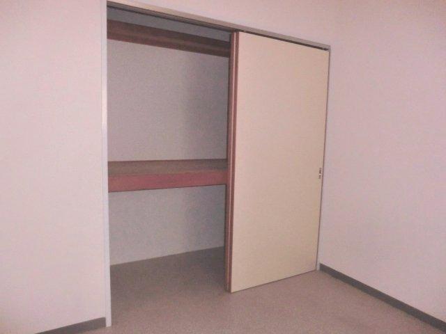 コンフォール 203号室の収納