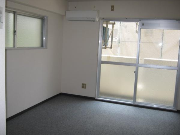 レジデンス天白 2D号室のリビング