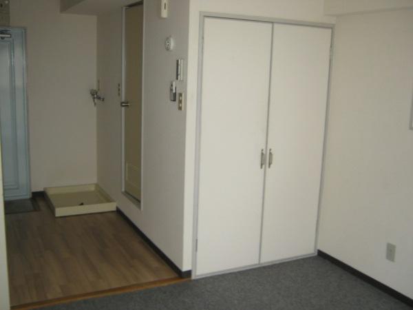 レジデンス天白 2D号室のベッドルーム