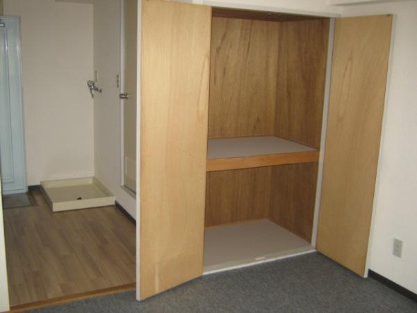 レジデンス天白 2D号室の収納