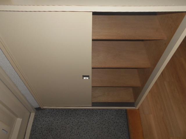 カナヤハイツⅡ 101号室の玄関