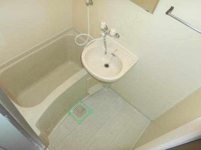 ホルスコート 102号室の風呂