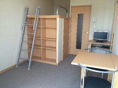 レオパレスSKY 302号室のリビング