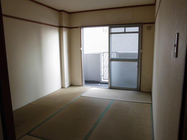 ラメゾンエスポワールⅡ 202号室の玄関