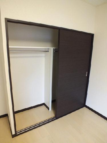 レオネクストチャコルル 104号室の収納