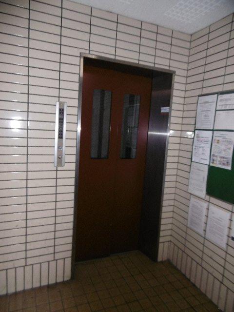 ドーム桜山 5C号室のロビー